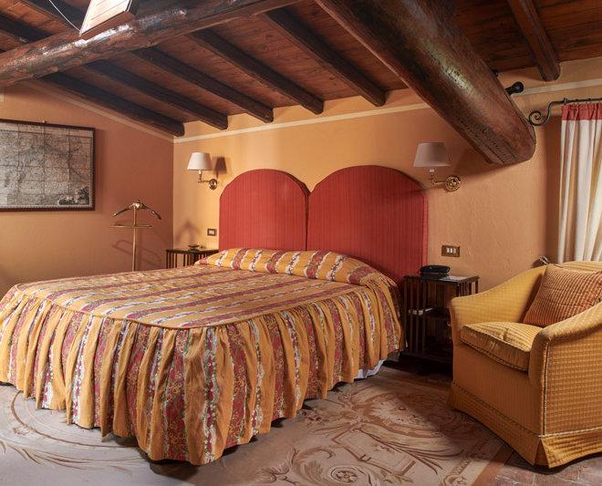 camera classic letto righe